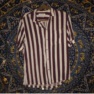 URBAN OUTFITTERS - pinstriped buttondown